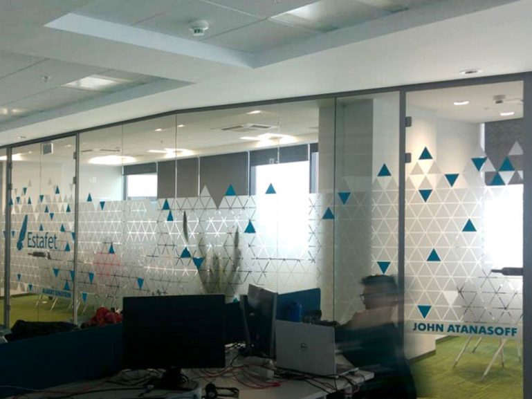 Glass walls decorated with triangles pattern